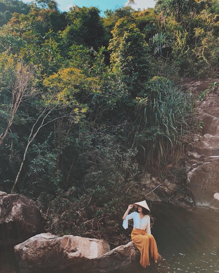 Tuyệt tình cốc thu hút phượt thủ khi du lịch Quy Nhơn
