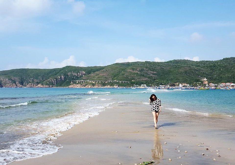 Giới trẻ đua nhau đến đảo Hòn Khô Quy Nhơn check in sống ảo
